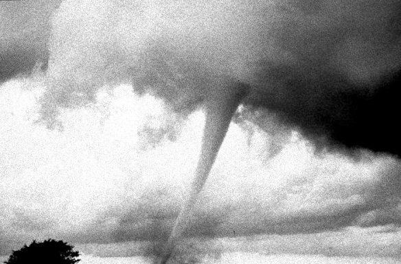 noaa tornado 1 mod 1 bw